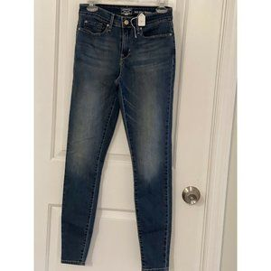 Signature By Levi Strauss, Gold Label, Mid-Rise Sk